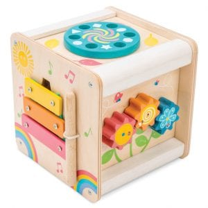 Compact activity cube to entertain toddlers while developing logic and fine motor skills.