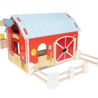 LETV417 - Red Barn, pretend play