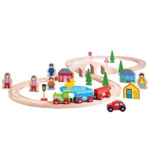 The Bigjigs Rail Figure of Eight Train Set is the ideal first train set for any budding railway enthusiast. This awesome train set includes high quality wooden track pieces that form the figure of eight layout, a colourful engine with 2 colourful carriages and a variety of accessories.
